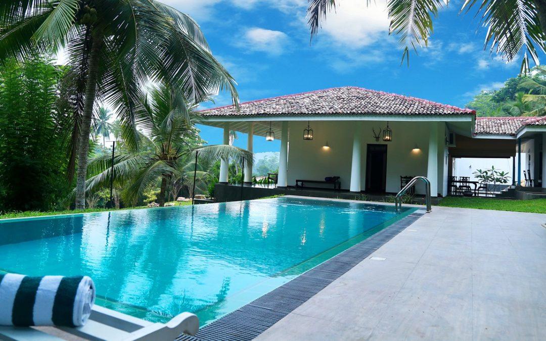 Abri de piscine : Les 6 raisons pour lesquelles vous devriez investir dans un abri de piscine
