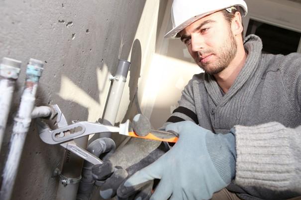 Pourquoi et quand doit-on faire appel à un plombier ?