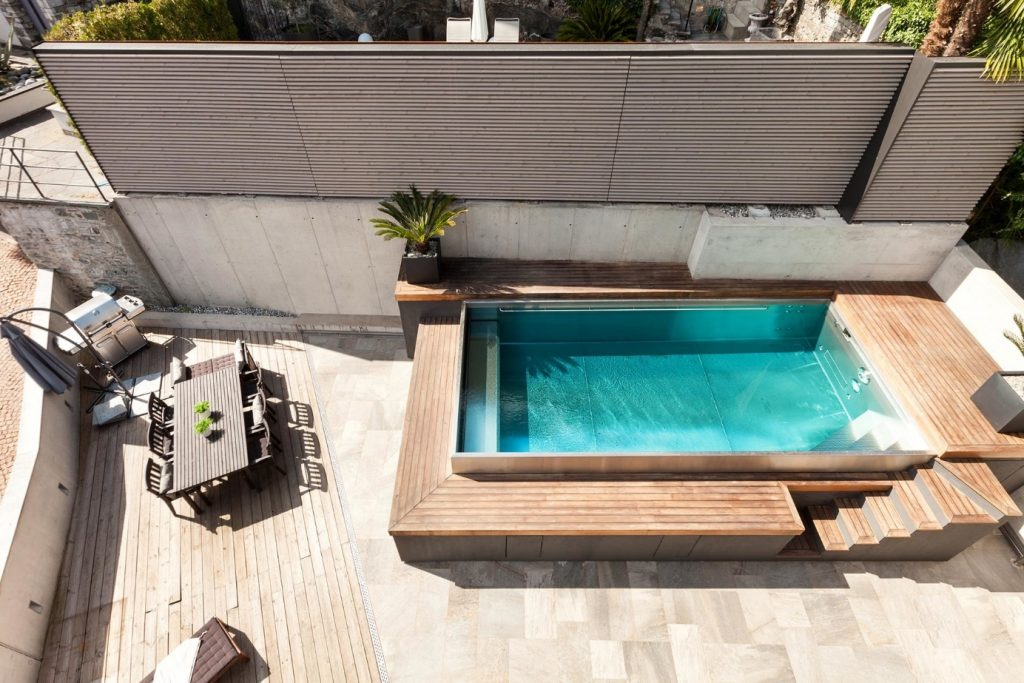 jardin et piscine hors sol